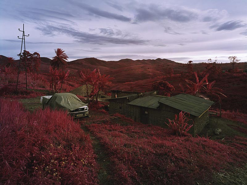 Richard Mosse - The Battle of Bambou, Ituri, Eastern Congo, 2010 ©