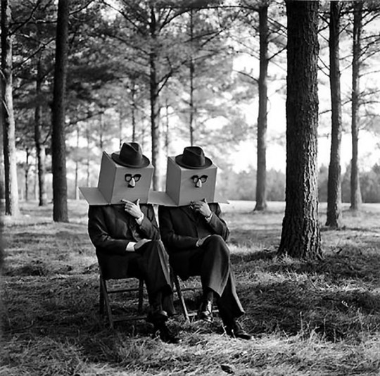 Rodney Smith, Men with Boxes on Head