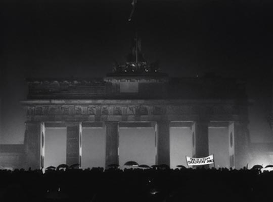 Barbara Klemm, Opening of the Brandenburg Gate